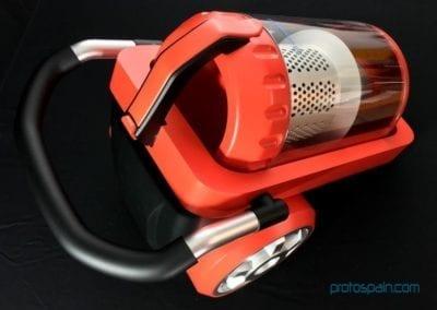 Aspiradora en Aluminio, Abs y Pc